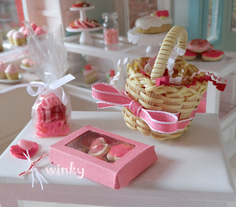 Dollhouse_bakery1-12