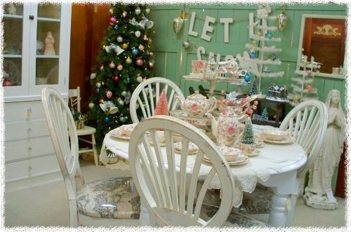 Christmas_thrift_7