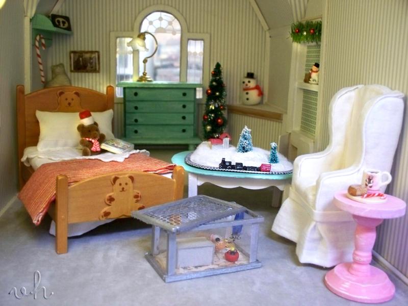 Dollhouse_christmas_train