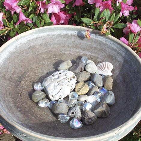 Birdbath-rocks