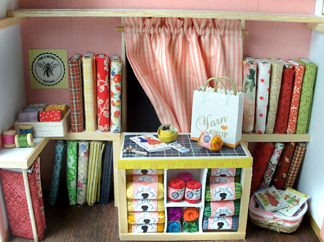 Miniature-retro-stitch-shop