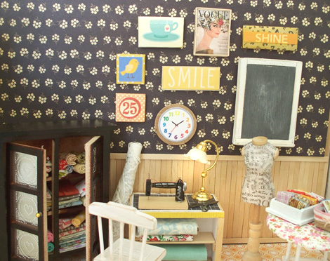 Miniature_wall_art_gallery_sewing_room-vh2021