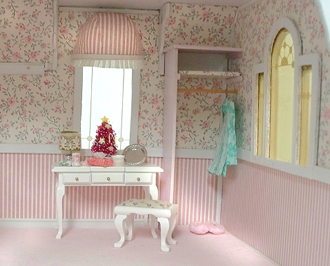 Dollhouse_pink_bedroom2