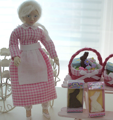Miniature_bakery_doll_easter_baskets