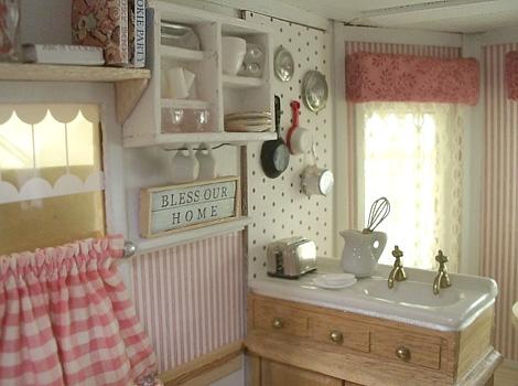 Dollhouse_kitchen_miniatures