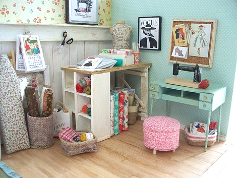 Miniature_sewing_room1